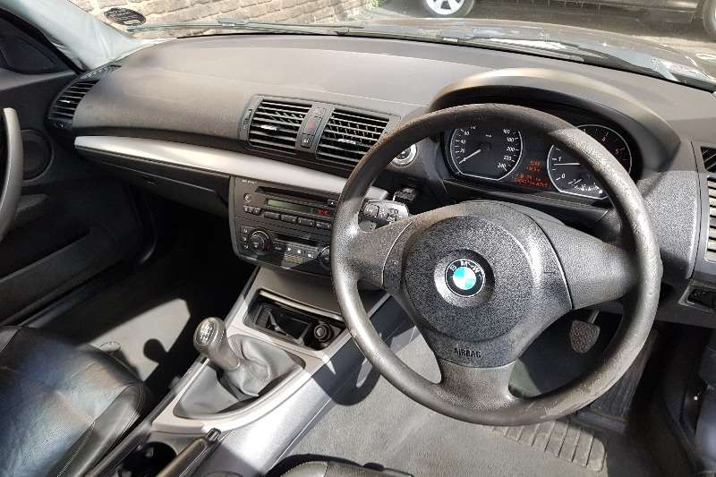 BMW 1 Series 118i 5 door 2004