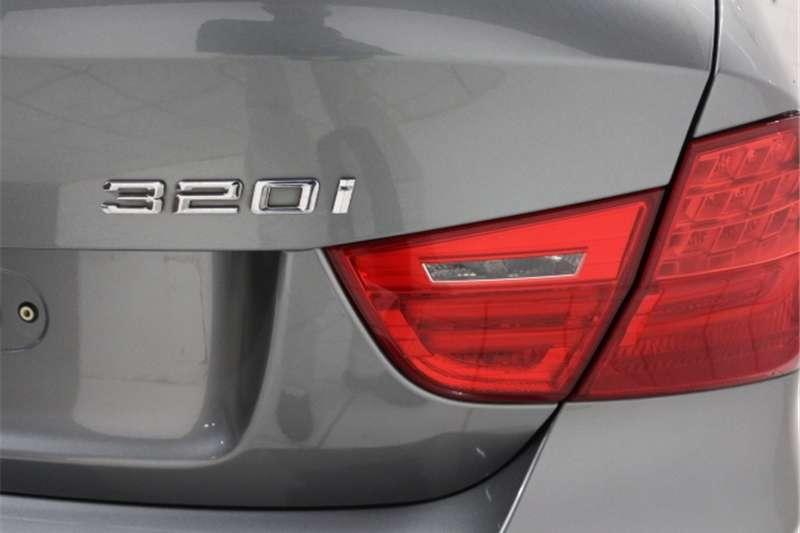 BMW 3 Series 320i steptronic 2011