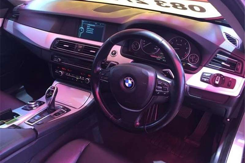 BMW 5 Series 528i 2010