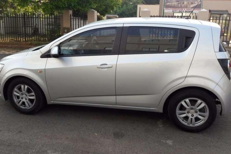 Chevrolet Sonic hatch 1.4 LS 2014