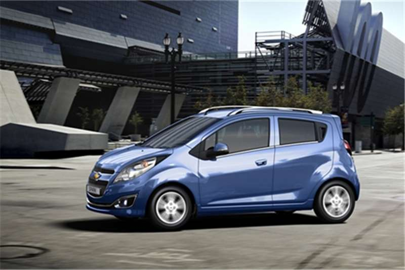 2017 chevrolet spark 1 2 campus hatchback fwd cars for sale in eastern cape r 141 200 on. Black Bedroom Furniture Sets. Home Design Ideas