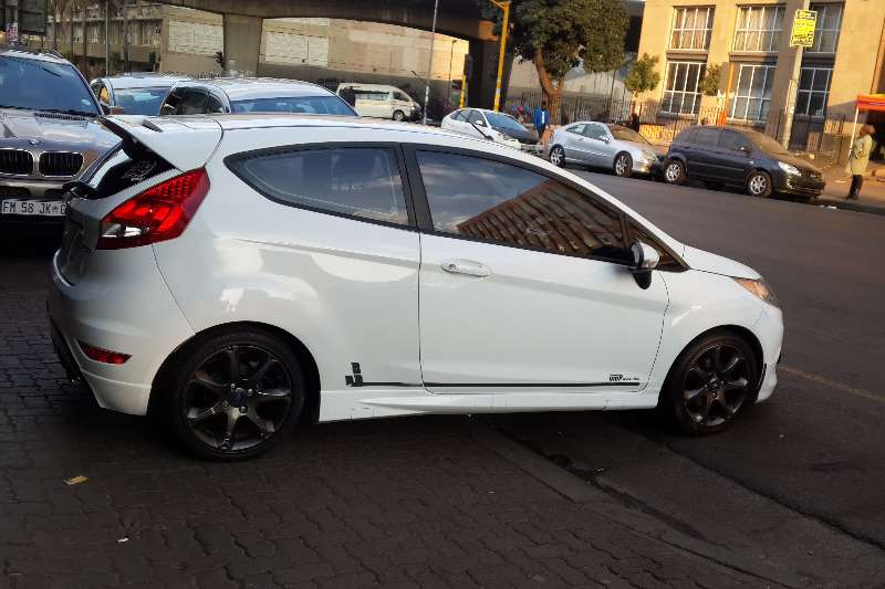 titanium white per manual door only ford fiesta p month diesel