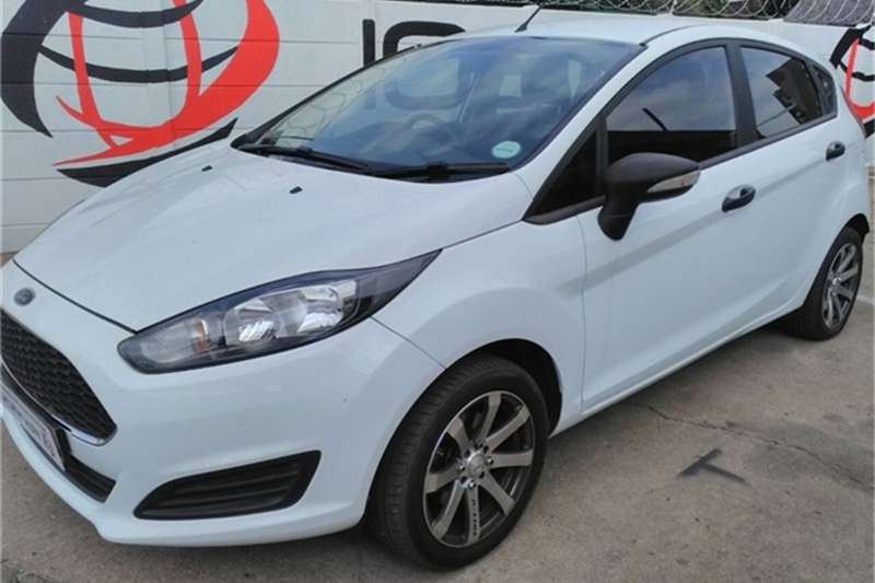 Ford Fiesta 5 door 1.4 Ambiente 2016 & Ford Fiesta Cars for sale in South Africa | Auto Mart markmcfarlin.com