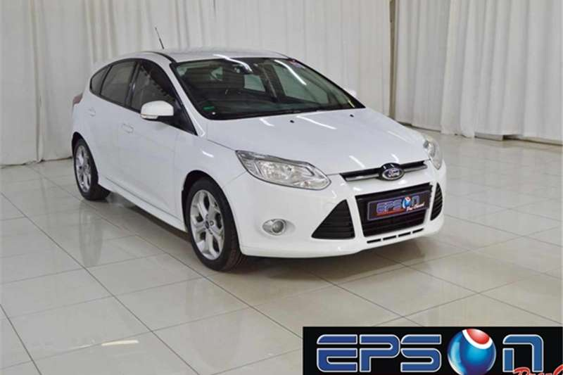 Ford Focus hatch 1.6 Trend 2014