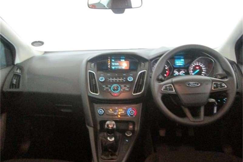 Ford Focus sedan 1.0T Ambiente 2016