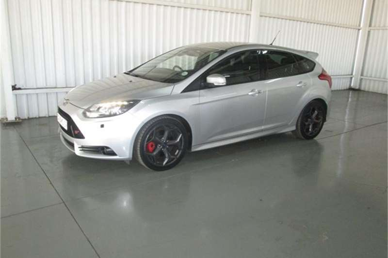 2014 ford focus st 3 hatchback petrol fwd manual cars for sale in gauteng r 239 950 on. Black Bedroom Furniture Sets. Home Design Ideas