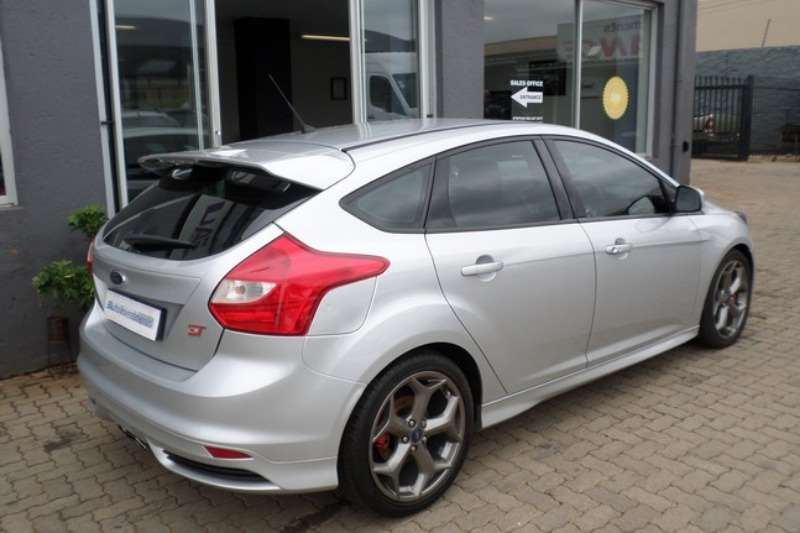 2015 ford focus st 3 hatchback petrol fwd manual cars for sale in gauteng r 279 900 on. Black Bedroom Furniture Sets. Home Design Ideas