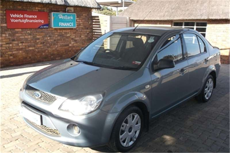 Ford Ikon 1.6 Ambiente 2009