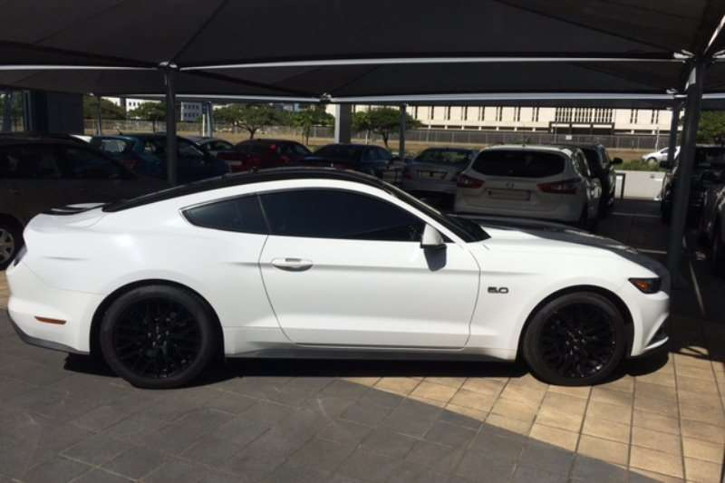 Ford Mustang 5.0 GT fastback 2017
