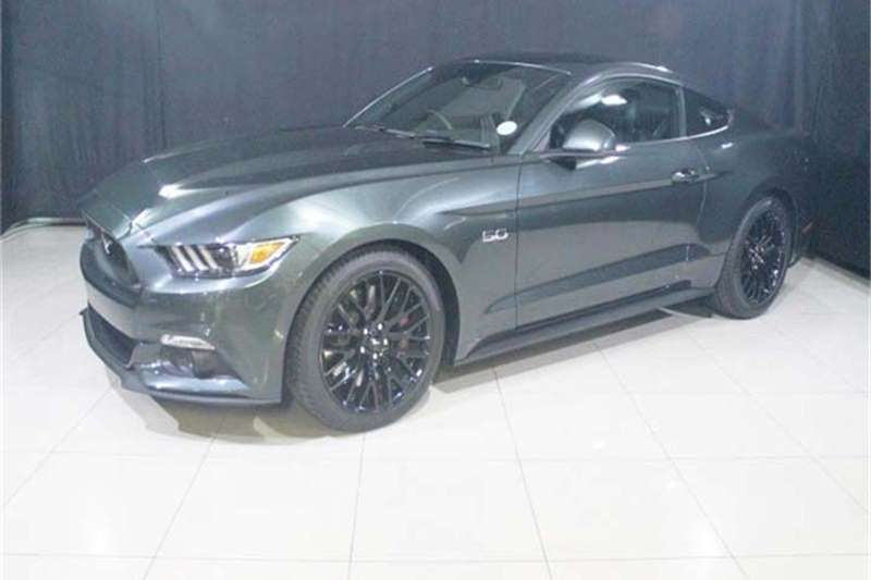 Ford Mustang 5 0 GT fastback auto