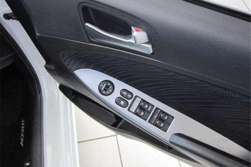 Hyundai Accent 1.6 Fluid Auto 2016