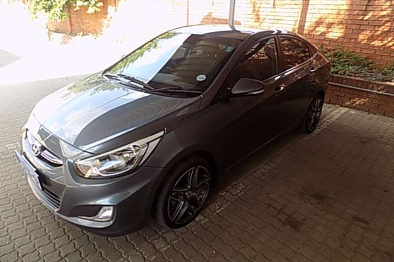 Hyundai Accent 1.6 Fluid Sedan 2015