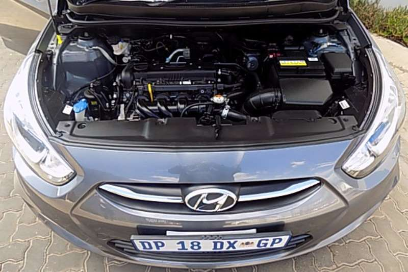 Hyundai Accent sedan 1.6 Fluid 2015