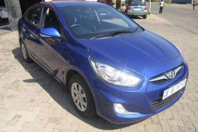 Hyundai Accent sedan 1.6 gls auto 2012
