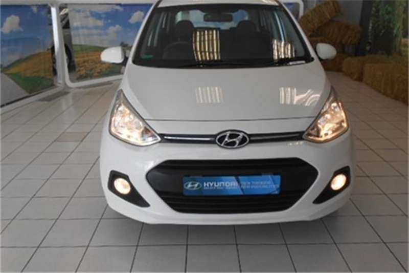 2018 hyundai i10 grand fluid hatchback petrol fwd manual cars for sale in gauteng. Black Bedroom Furniture Sets. Home Design Ideas