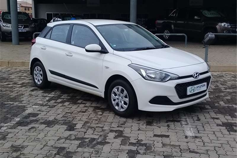 2016 hyundai i20 1 2 motion hatchback petrol fwd manual cars for sale in gauteng r 178. Black Bedroom Furniture Sets. Home Design Ideas