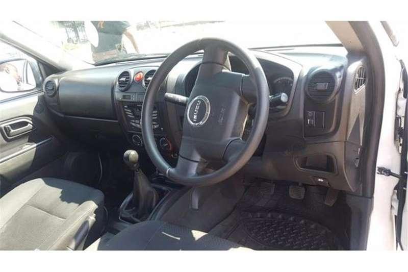 Isuzu KB 250 D-Teq Double Cab LE KB72 2013