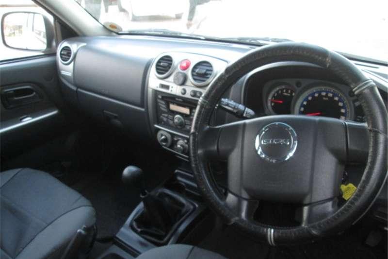 Isuzu KB 300D-Teq double cab 4x4 LX 2012