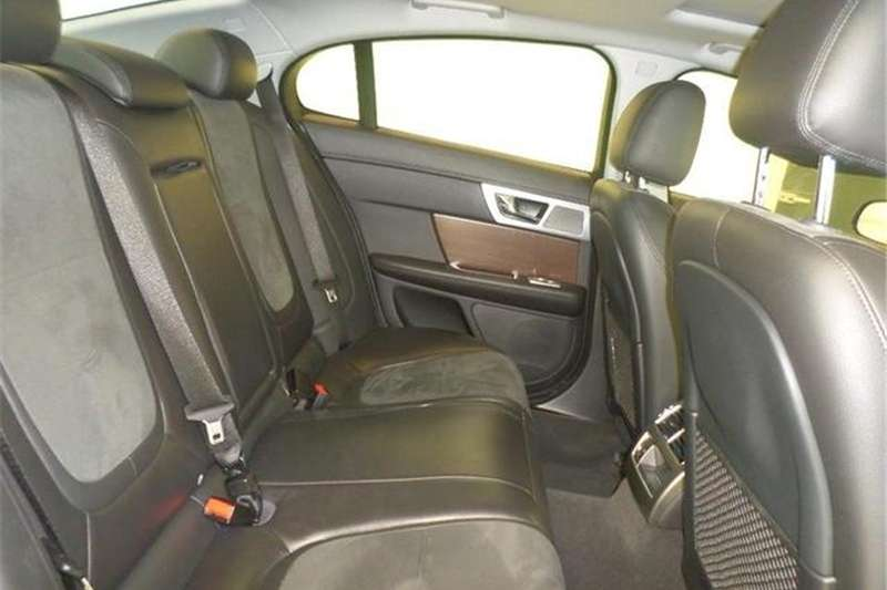 Jaguar XF 2.2D Luxury 2013