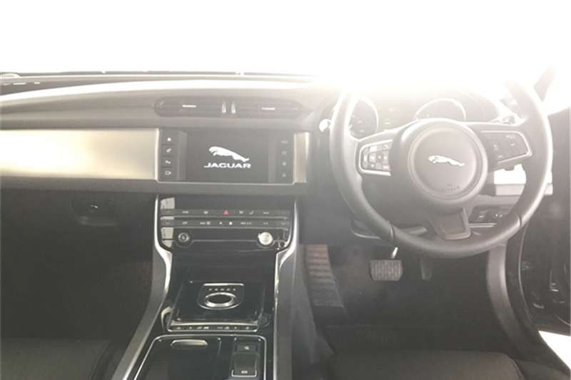 Jaguar XF 20d Prestige 2017