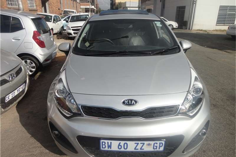 2014 kia rio kia1 4 tec hatchback cars for sale in gauteng r 150 000 on auto mart. Black Bedroom Furniture Sets. Home Design Ideas