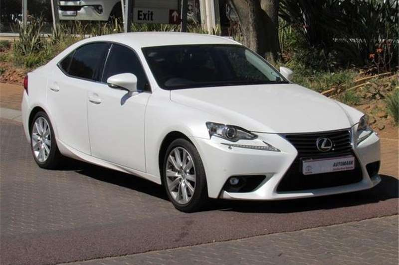 Lexus IS 200t E 2016