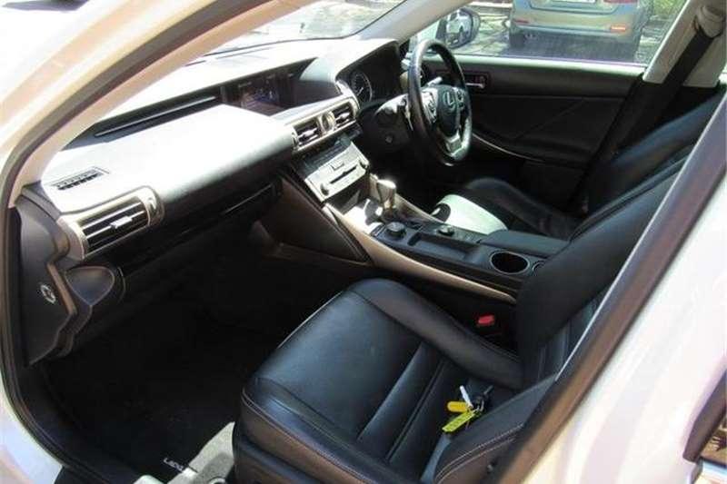 Lexus IS 200t E 2016