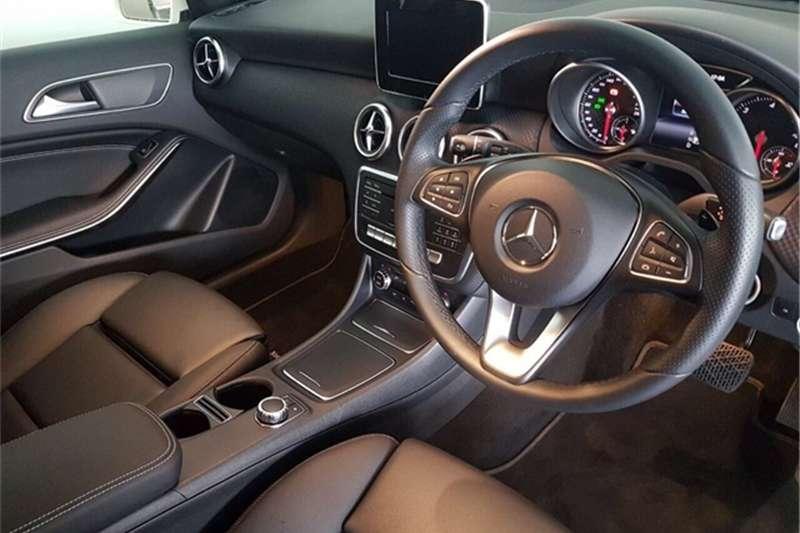 Mercedes Benz 220D URBAN A/T 2017