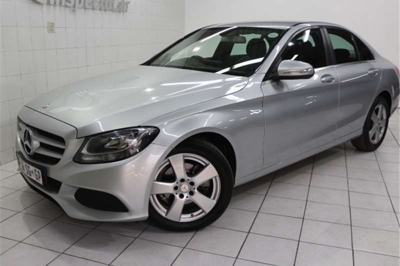 2014 mercedes benz c class c180 classic auto sedan rwd for Mercedes benz r class 2014