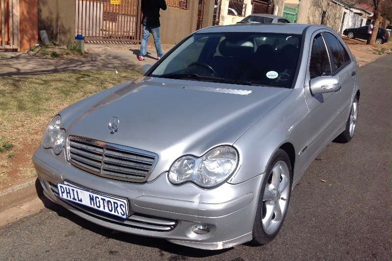 2005 mercedes benz c class c200 classic sedan petrol rwd manual cars for sale in gauteng. Black Bedroom Furniture Sets. Home Design Ideas