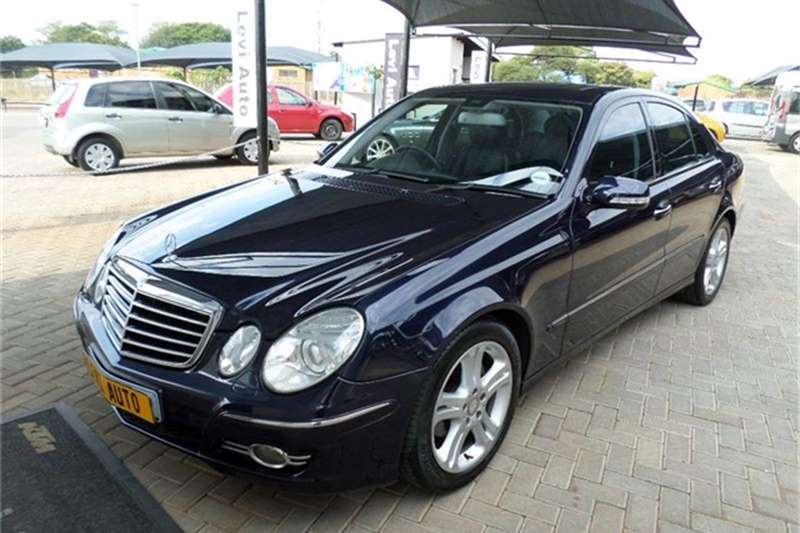 2009 mercedes benz e class e200 kompressor elegance sedan for Mercedes benz 2009 e class