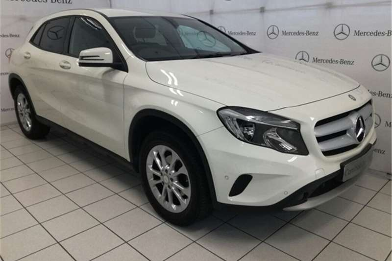 2017 mercedes benz gla 200 hatchback petrol fwd. Black Bedroom Furniture Sets. Home Design Ideas