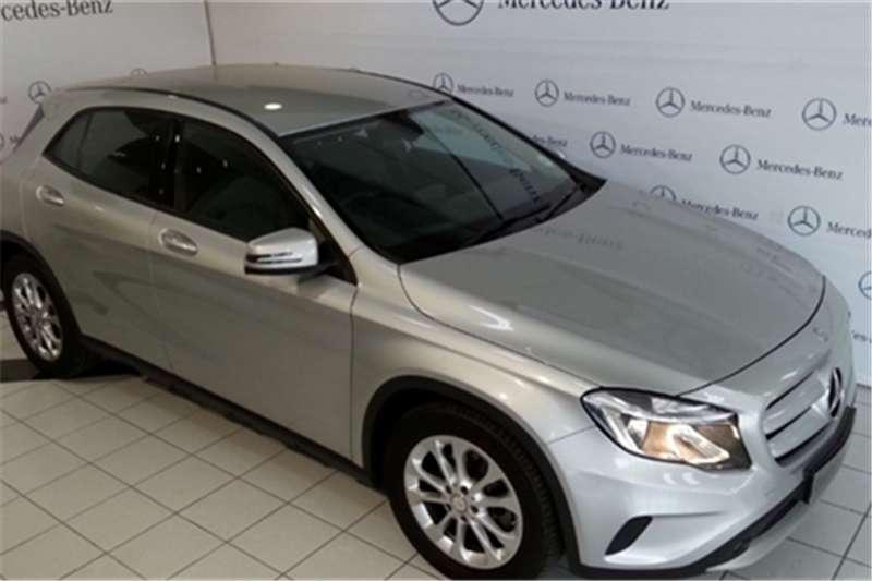 Mercedes Benz GLA 200 auto 2014