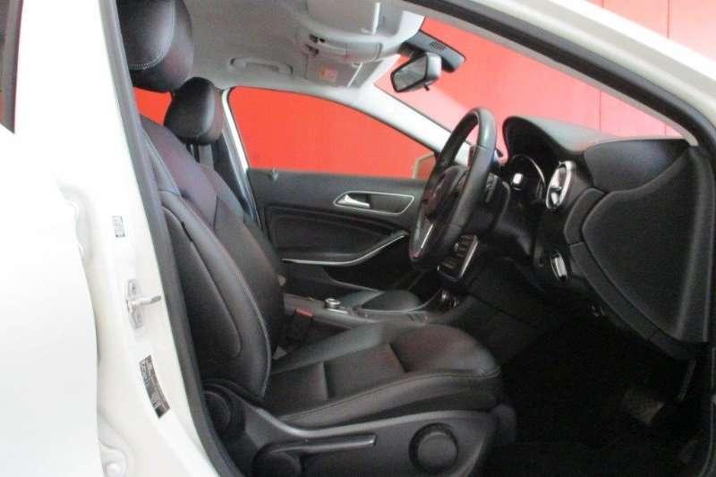 Mercedes Benz GLA 200 auto 2015