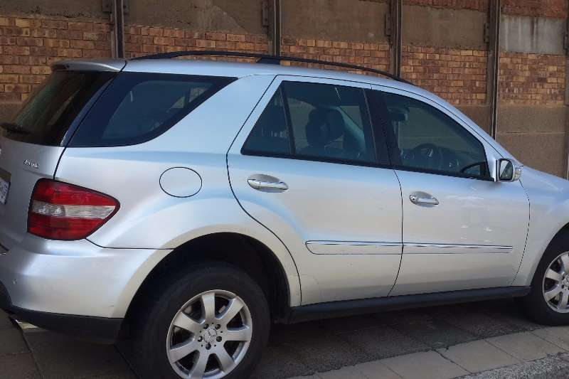 2007 mercedes benz ml 350 crossover suv petrol awd automatic cars for sale in gauteng. Black Bedroom Furniture Sets. Home Design Ideas