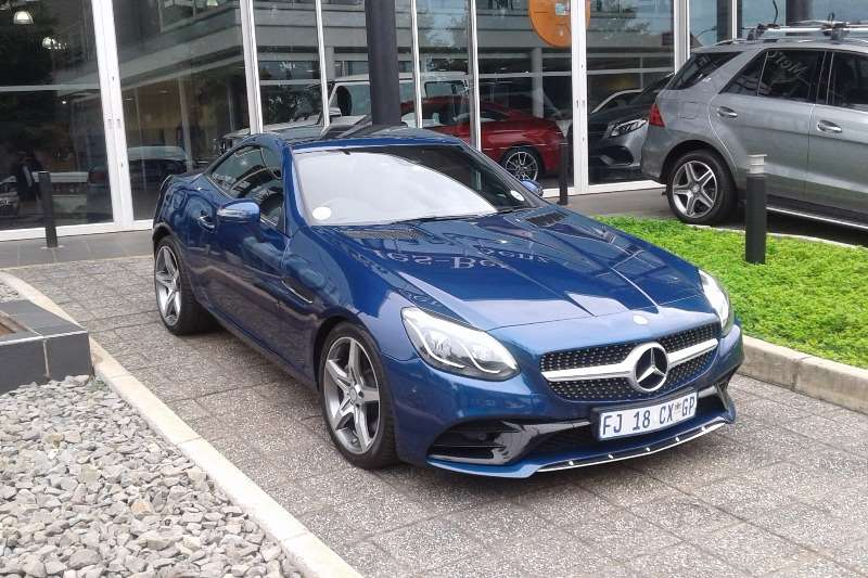 2016 mercedes benz slc 300 amg line convertible petrol. Black Bedroom Furniture Sets. Home Design Ideas