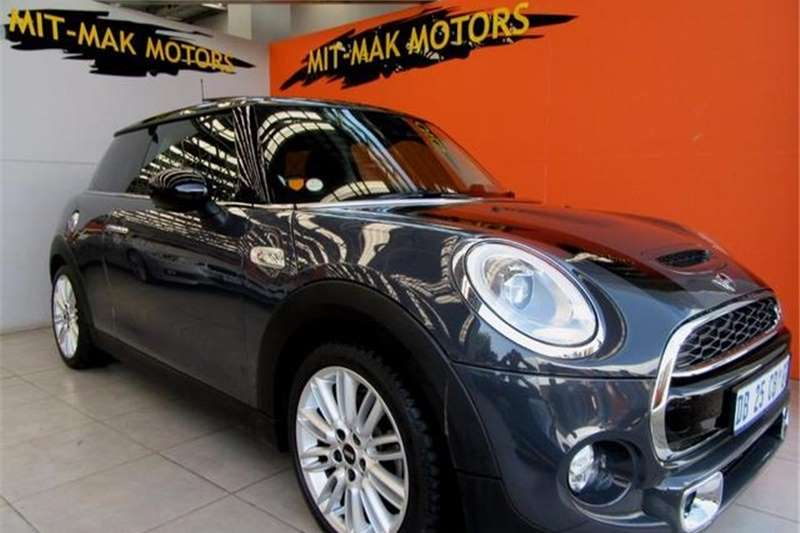 Mini Hatch Cooper S 3-Door 2014