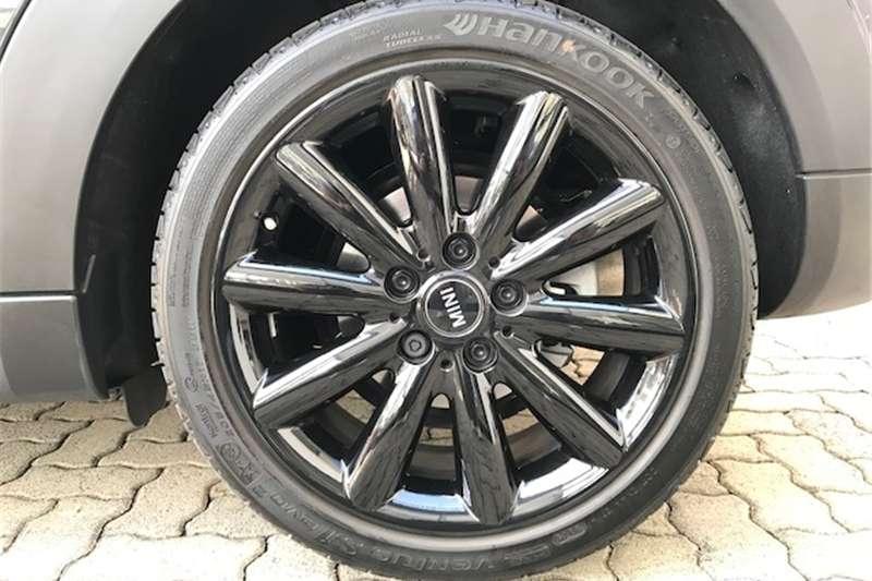 Mini Hatch Cooper S Hatch 5 door auto 2017