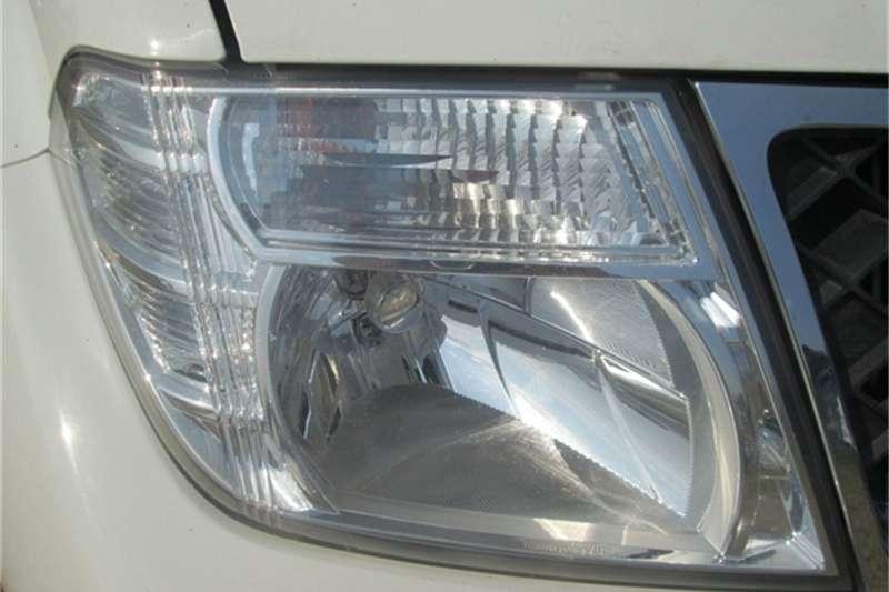 Nissan Navara 2.5dCi double cab 4x4 LE 2013