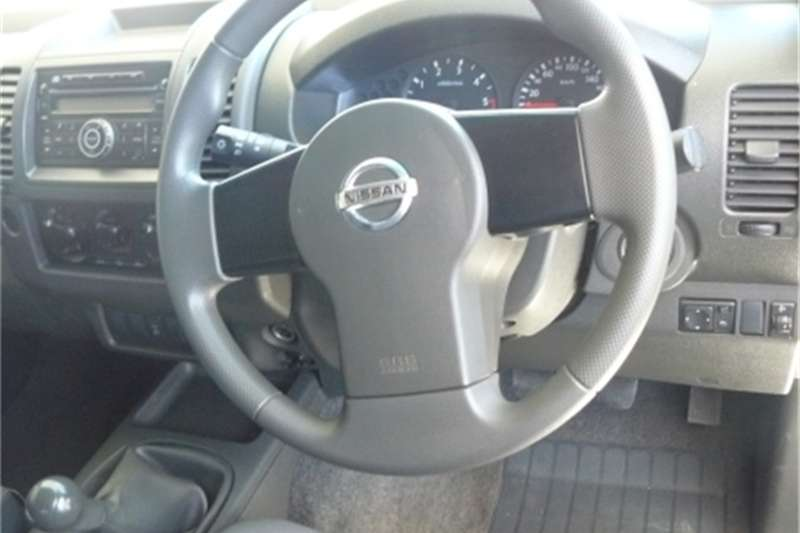 Nissan Navara 2.5dCi double cab XE 2011