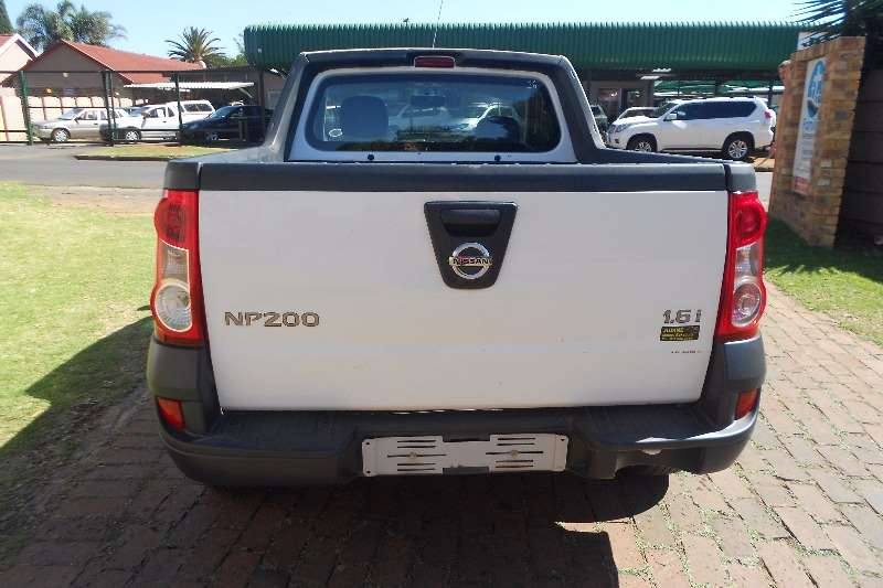 Nissan NP200 1.6i pack 2014