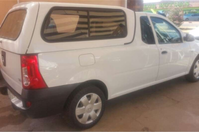 Nissan NP200 beekman canopy for sale Cars for sale in Gauteng | R 6 500 on Auto Mart & Nissan NP200 beekman canopy for sale Cars for sale in Gauteng | R ...