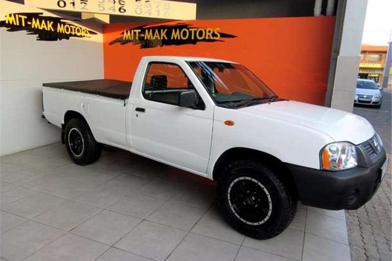 Nissan NP300 Hardbody 2.0 L 2012