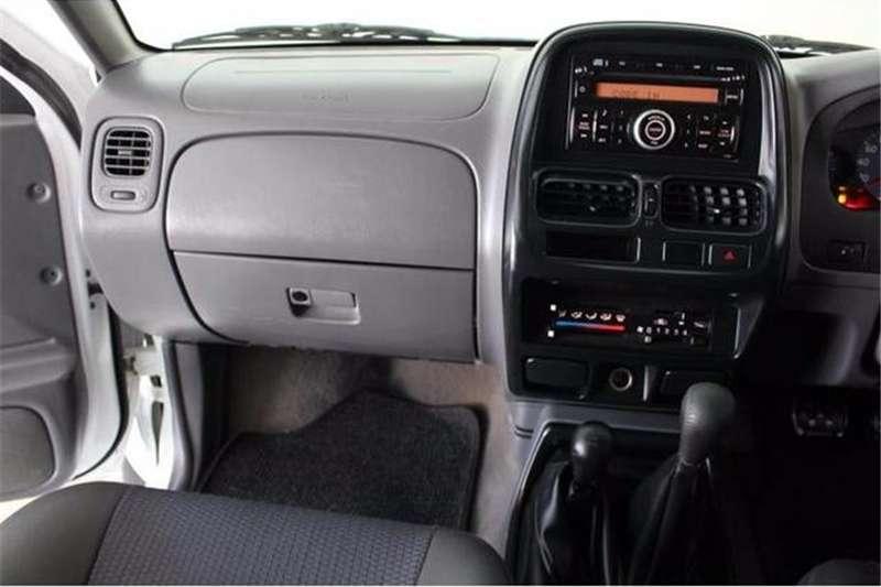 Nissan NP300 Hardbody 2.4 double cab 4x4 2010