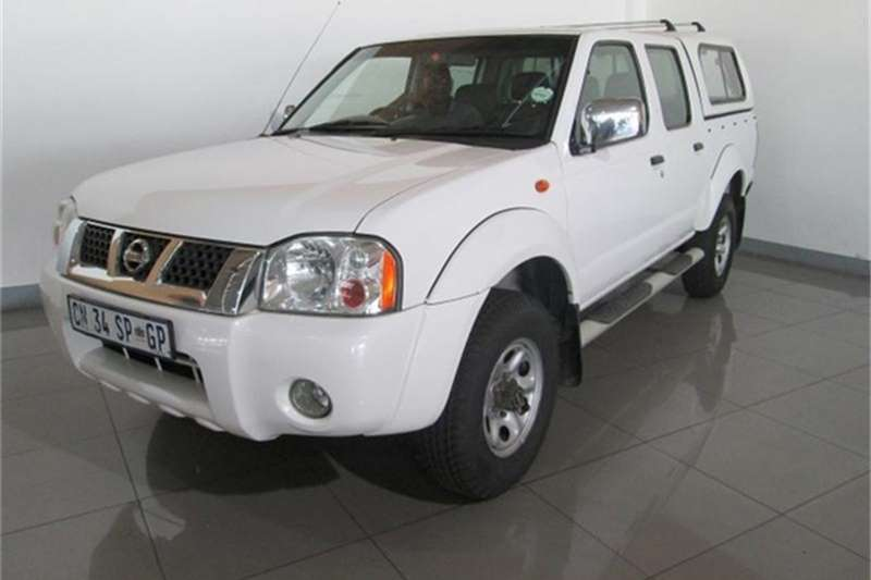 2013 nissan np300 hardbody 2 4 double cab 4x4 double cab bakkie 4 x 4 cars for sale in. Black Bedroom Furniture Sets. Home Design Ideas