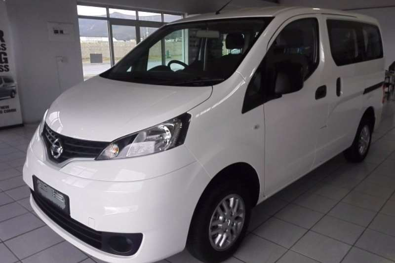 2017 nissan nv200 combi visia multi purpose vehicle diesel fwd manual cars for. Black Bedroom Furniture Sets. Home Design Ideas