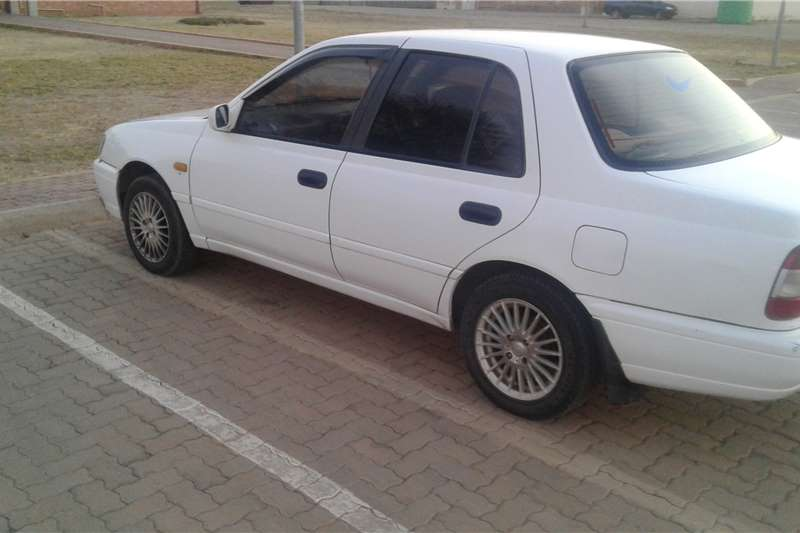2001 nissan sentra cars for sale in gauteng r 38 000 on. Black Bedroom Furniture Sets. Home Design Ideas