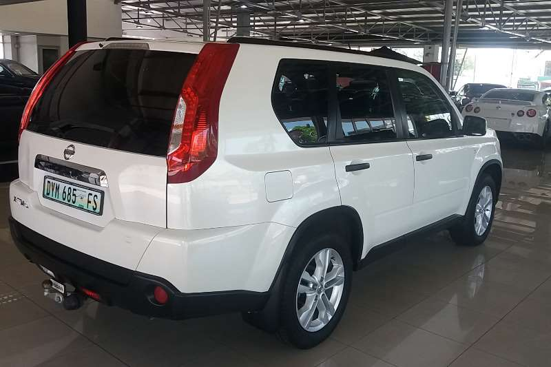 2011 nissan x trail 2 0 xe crossover suv fwd cars for sale in gauteng r 195 900 on auto mart. Black Bedroom Furniture Sets. Home Design Ideas