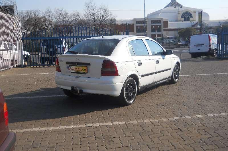 Opel Astra 1.6 0