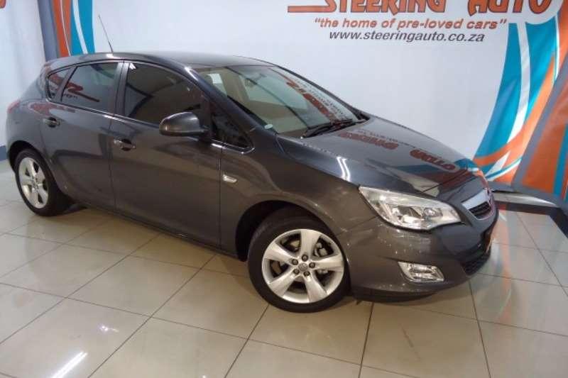 Opel Astra 1.6 Enjoy 2014
